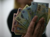 bani împrumut